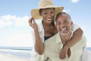couple-enjoy-beach-time