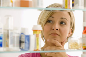 spring-cleaning-medicine-cabinet
